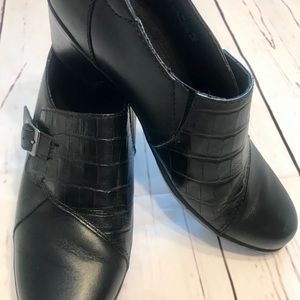 New Clark's Black Leather Shoes